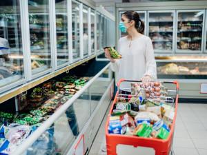 巣ごもり消費がトレンドのこの時期にとるべき行動とは?企業・個人両方の側面から解説します。