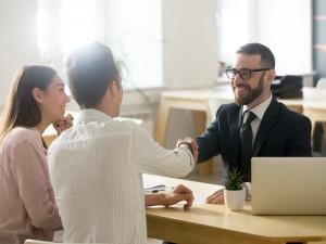 反響営業ってどんな仕事? 仕事内容や大変な点、成果を出すコツについて解説します